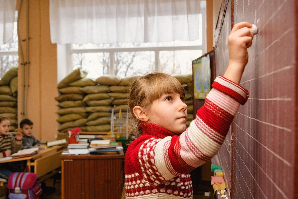 Незважаючи на конфлікт, Україна має намір забезпечити якісну освіту для всіх дітей