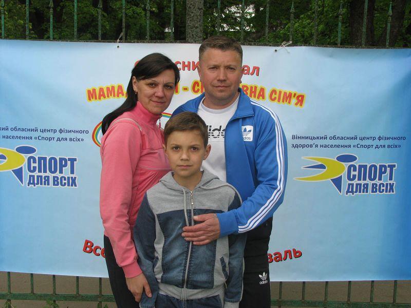 http//lad.vn.ua/uploads/images/foto/08_bilya_logotipu_festivalyu.jpg