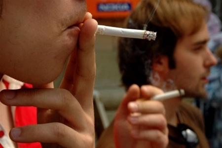 Ладижинський суд звільнив  від відповідальності за  куріння  на балконі