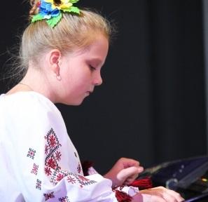 http//lad.vn.ua/uploads/images/foto/5644_katya_2.jpg