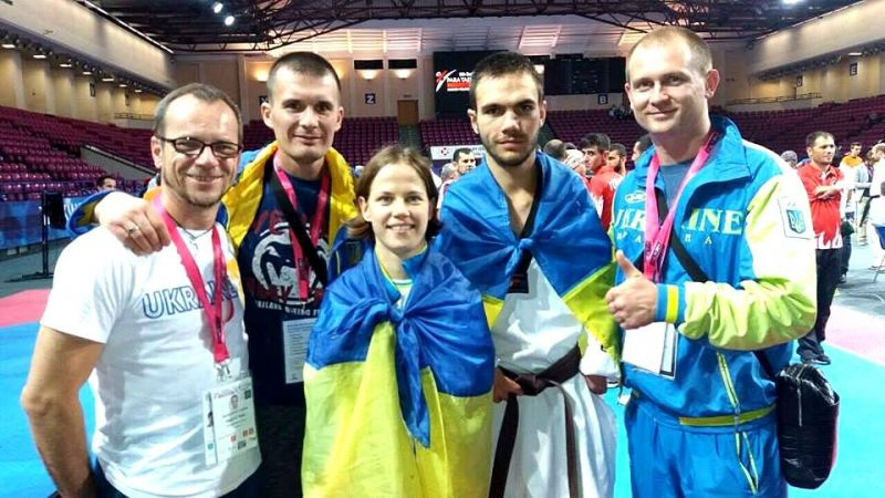http//lad.vn.ua/uploads/images/foto/6460_anton_shvec_ta_sergii_brushnickii_z_chlenami_zbirnoi_komandi_ukraini.jpg