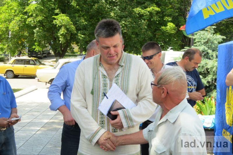 Ладижин відвідав  відомий політик Олег Тягнибок