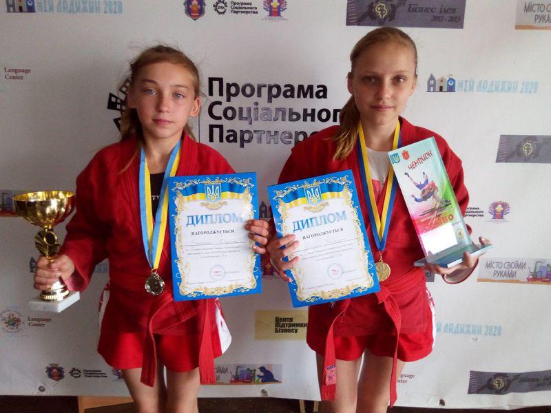 http//lad.vn.ua/uploads/images/foto/9769_grigorenko_katerina_ta_priszenko_oleksandra.jpg