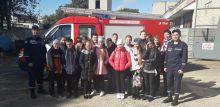 Ладижинські рятувальники провели екскурсію для учнів школи № 3