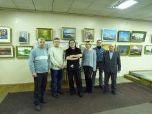 12 ладижинських  художників презентували Новорічну виставку живопису (фото та відео)