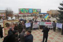 В Тростянці  селяни  знову протестують, вимагаючи  віддати їм їх майно